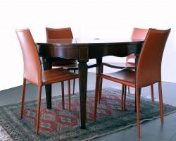212 tavolo ovalino allungabile- sedie in cuoio